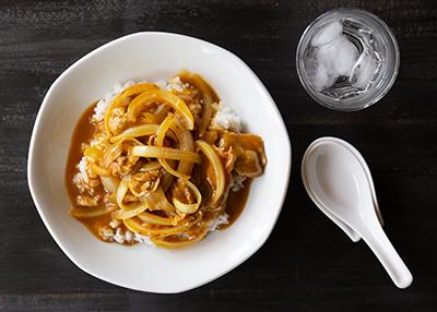 1月22日は「カレーの日」!! 中華×カレーの新ジャンル「中華街咖喱飯」を、22日〜31日まで毎日30食数量限定販売いたします。